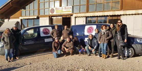 Foto di gruppo con lo staff AFEI